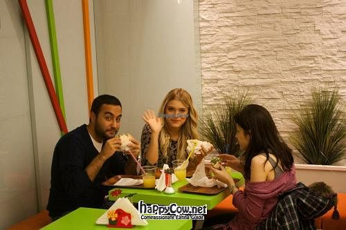 Photo of CLOSED: Falafel Veggie  by vitekarnon <br/>Satisfy Customer <br/> April 28, 2012  - <a href='/contact/abuse/image/30688/31083'>Report</a>
