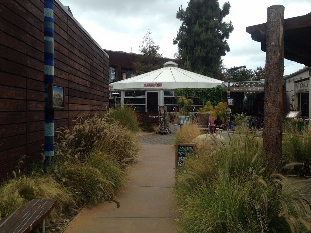 "Photo of Native Foods - Costa Mesa  by <a href=""/members/profile/Veganbloke"">Veganbloke</a> <br/>Venue from the outside <br/> July 11, 2016  - <a href='/contact/abuse/image/3075/159103'>Report</a>"