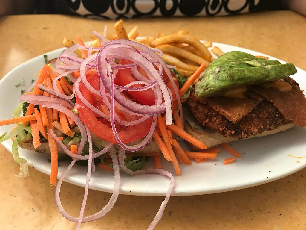 "Photo of Native Foods - Costa Mesa  by <a href=""/members/profile/xmrfigx"">xmrfigx</a> <br/>Chick'n Sandwich <br/> October 17, 2017  - <a href='/contact/abuse/image/3075/316073'>Report</a>"