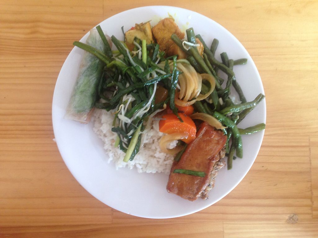 "Photo of Khanh Ly Vegetarian Food  by <a href=""/members/profile/MelanievanLeeuwen"">MelanievanLeeuwen</a> <br/>40.000 for this plate  <br/> November 22, 2017  - <a href='/contact/abuse/image/30846/328047'>Report</a>"