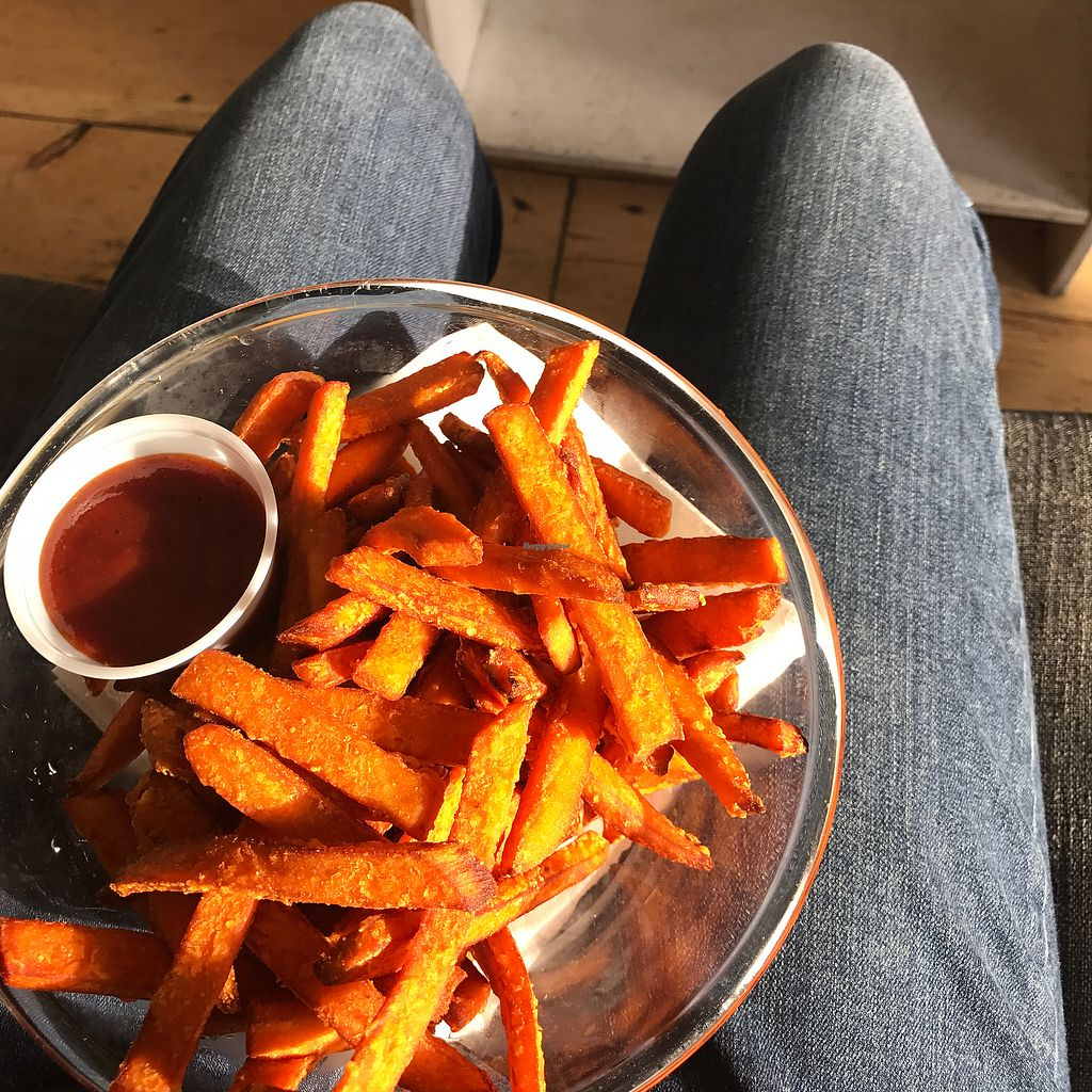 "Photo of Clementine Bakery  by <a href=""/members/profile/wanderlustarcher"">wanderlustarcher</a> <br/>Some good ol SWEET POTATO FRIES WITH BBQ SAUCE ? <br/> July 8, 2017  - <a href='/contact/abuse/image/30943/277873'>Report</a>"
