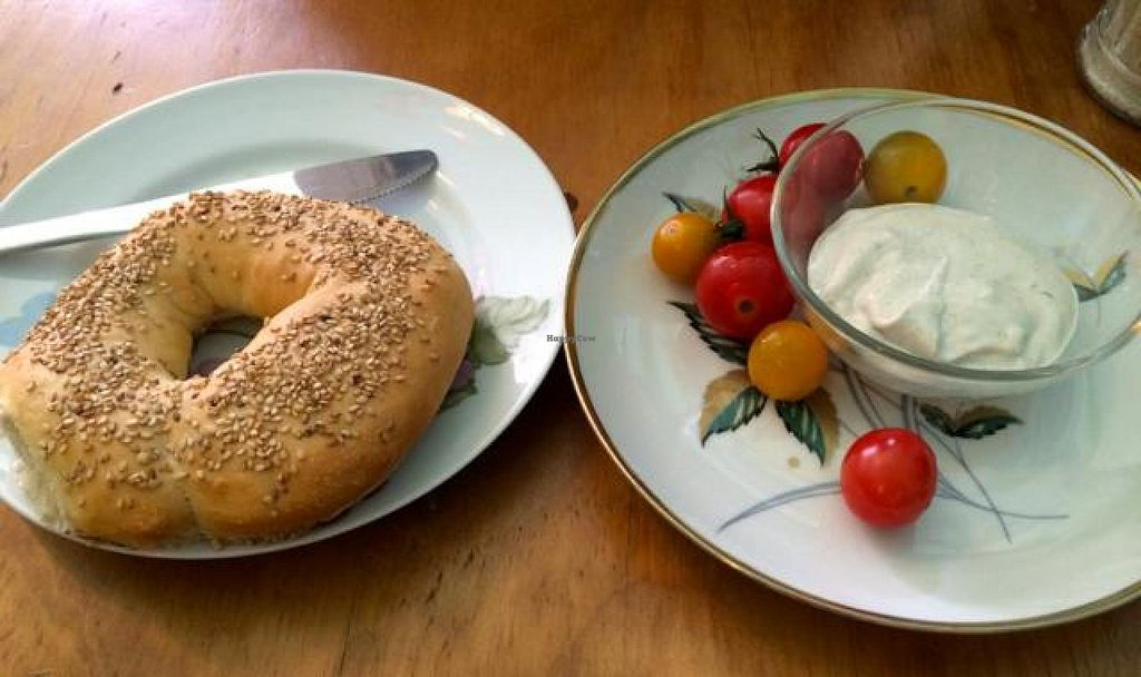 "Photo of CLOSED: Edelkiosk  by <a href=""/members/profile/Plantpower"">Plantpower</a> <br/>Bagel with homemade dip and organic cherry tomatoes.  <br/> August 10, 2014  - <a href='/contact/abuse/image/30966/76552'>Report</a>"