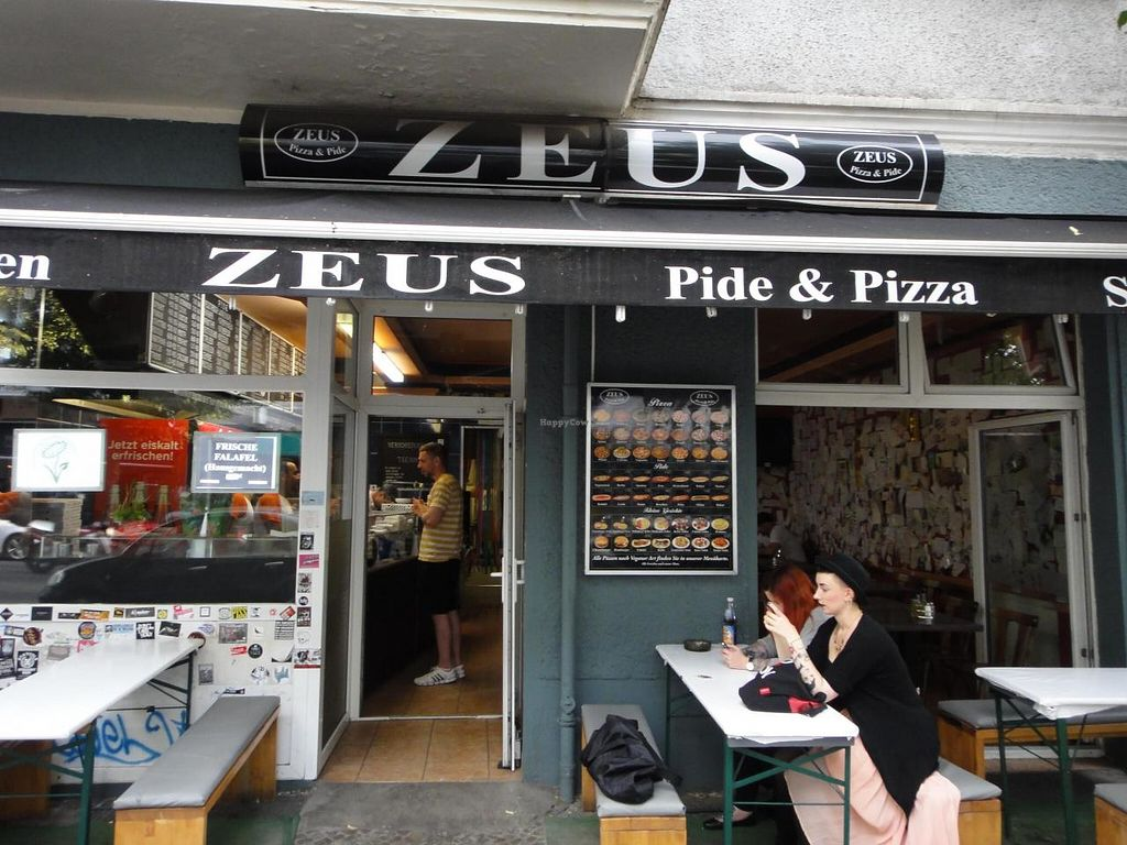 """Photo of Zeus Pizza  by <a href=""""/members/profile/EmilyBennett3050"""">EmilyBennett3050</a> <br/>Exterior of Zeus.  <br/> August 15, 2014  - <a href='/contact/abuse/image/31165/77076'>Report</a>"""