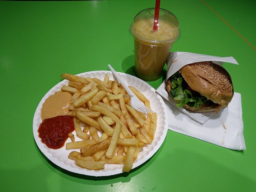 """Photo of Green Point  by <a href=""""/members/profile/maltman23"""">maltman23</a> <br/>Seitan Burger with fries, and large Explosion smoothie at Green Spot  <br/> April 20, 2018  - <a href='/contact/abuse/image/31463/388538'>Report</a>"""