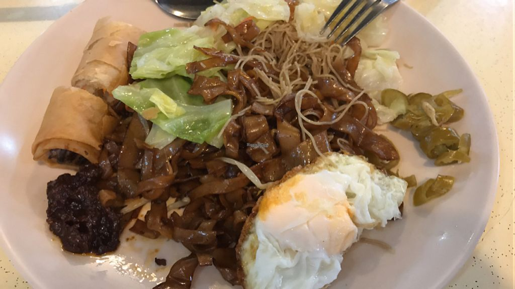 """Photo of Rong Yuan Food Stall  by <a href=""""/members/profile/Pearlypearl"""">Pearlypearl</a> <br/>Meehoon/kway teow + cabbage + popiah + 1 fried egg = $2.80 only <br/> November 12, 2016  - <a href='/contact/abuse/image/31517/188865'>Report</a>"""