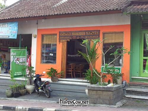 Photo of CLOSED: Bali Vegan Warung  by claireabella <br/> June 21, 2012  - <a href='/contact/abuse/image/31625/33578'>Report</a>