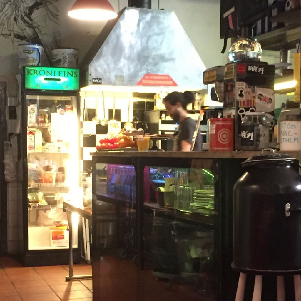 """Photo of Kafe 44  by <a href=""""/members/profile/happycowgirl"""">happycowgirl</a> <br/>order at the counter then grab a table <br/> May 11, 2016  - <a href='/contact/abuse/image/31758/148475'>Report</a>"""
