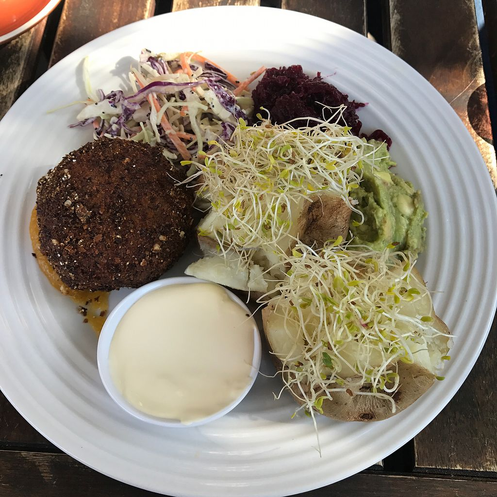 """Photo of Mad Spuds  by <a href=""""/members/profile/Lozcriston"""">Lozcriston</a> <br/>vegan dish served non vegan :( <br/> July 24, 2017  - <a href='/contact/abuse/image/31768/284112'>Report</a>"""