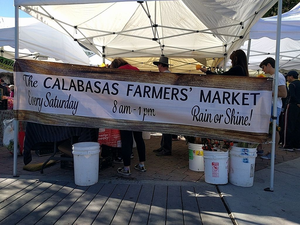 "Photo of Calabasas Old Town Farmer's Market  by <a href=""/members/profile/MatthewVBogusz"">MatthewVBogusz</a> <br/>CALABASAS FARMERS' MARKET Saturdays 8:00 am - 1:00 pm (as of Sat, Nov 19, 2016) <br/> November 27, 2016  - <a href='/contact/abuse/image/32014/195239'>Report</a>"