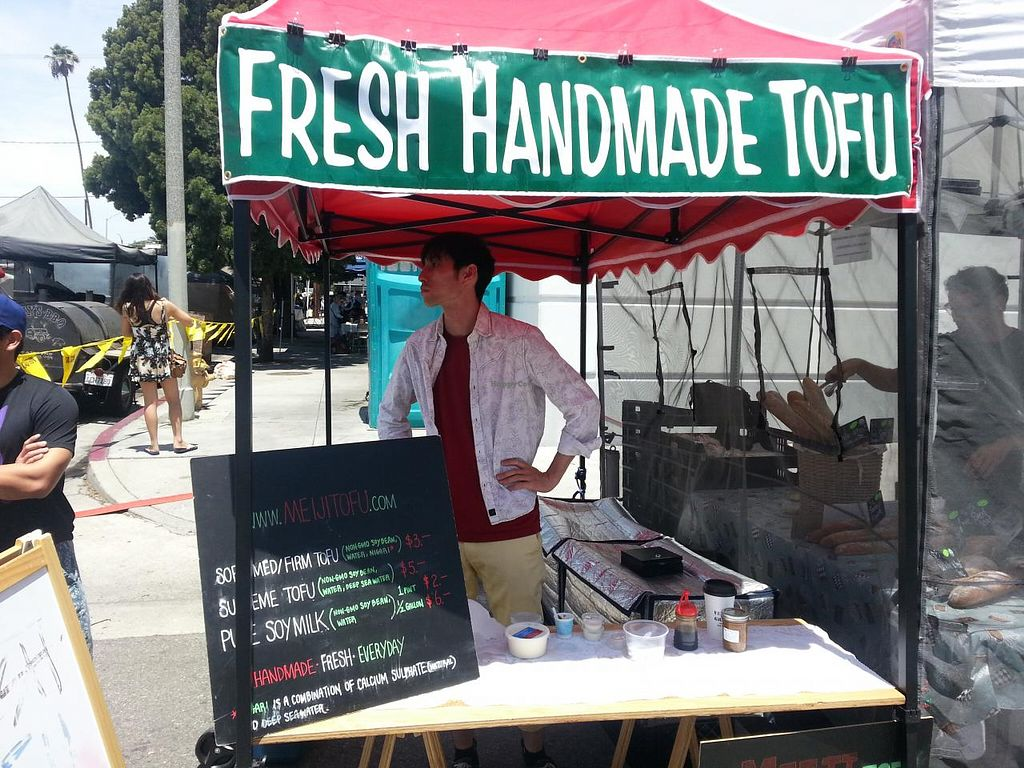 """Photo of Farmer's Market - Mar Vista  by <a href=""""/members/profile/eric"""">eric</a> <br/>fresh made tofu <br/> June 28, 2015  - <a href='/contact/abuse/image/32052/107565'>Report</a>"""