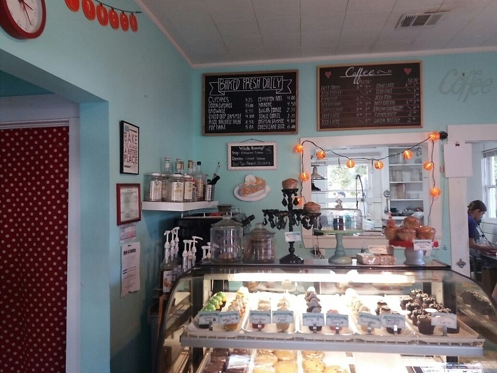 """Photo of Capital City Bakery  by <a href=""""/members/profile/Smoelfine"""">Smoelfine</a> <br/>cupcakes <br/> October 25, 2017  - <a href='/contact/abuse/image/32102/318891'>Report</a>"""