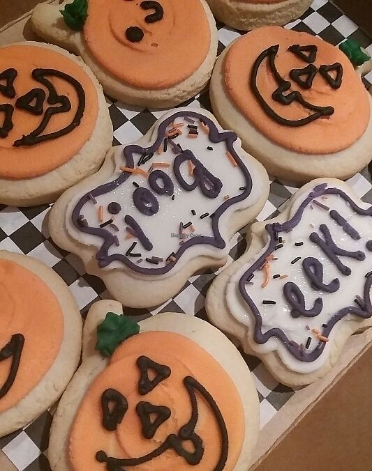 """Photo of Capital City Bakery  by <a href=""""/members/profile/Smoelfine"""">Smoelfine</a> <br/>halloween cookies <br/> October 25, 2017  - <a href='/contact/abuse/image/32102/318892'>Report</a>"""