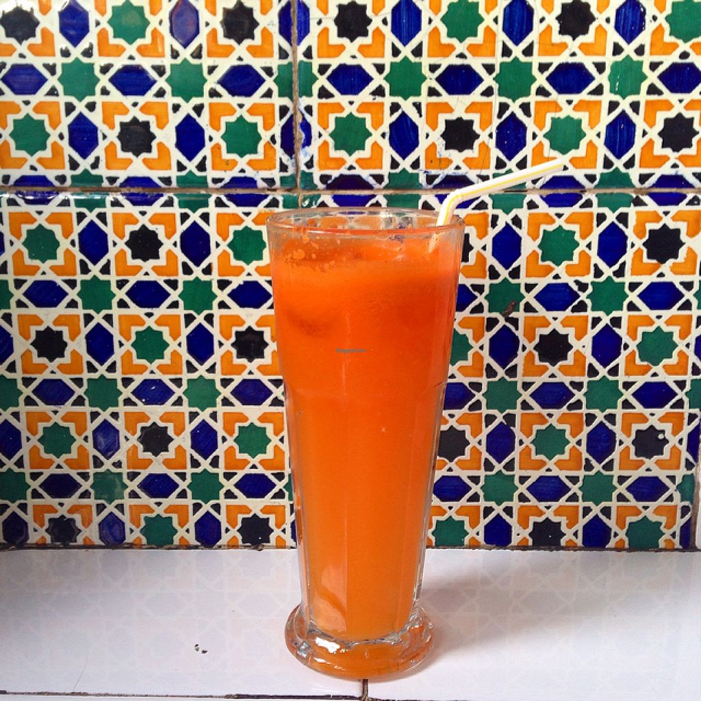 """Photo of La Terra  by <a href=""""/members/profile/AneUgarte"""">AneUgarte</a> <br/>orange and carrot juice <br/> March 7, 2016  - <a href='/contact/abuse/image/32103/139232'>Report</a>"""