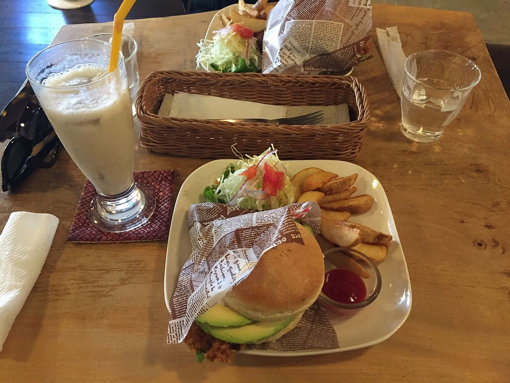 """Photo of Morpho Cafe  by <a href=""""/members/profile/ErikvanHest"""">ErikvanHest</a> <br/>Vegan fish burger with baked potatoes and salad. Also a great banana shake <br/> September 30, 2017  - <a href='/contact/abuse/image/32107/310046'>Report</a>"""