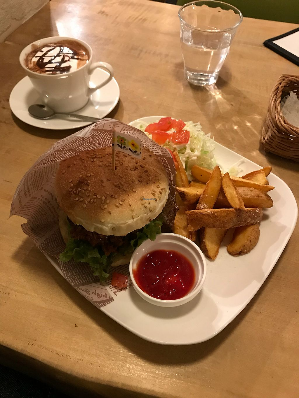 """Photo of Morpho Cafe  by <a href=""""/members/profile/Whiteeve"""">Whiteeve</a> <br/>Soy Meat Burger and Hot Chocolat <br/> November 23, 2017  - <a href='/contact/abuse/image/32107/328313'>Report</a>"""