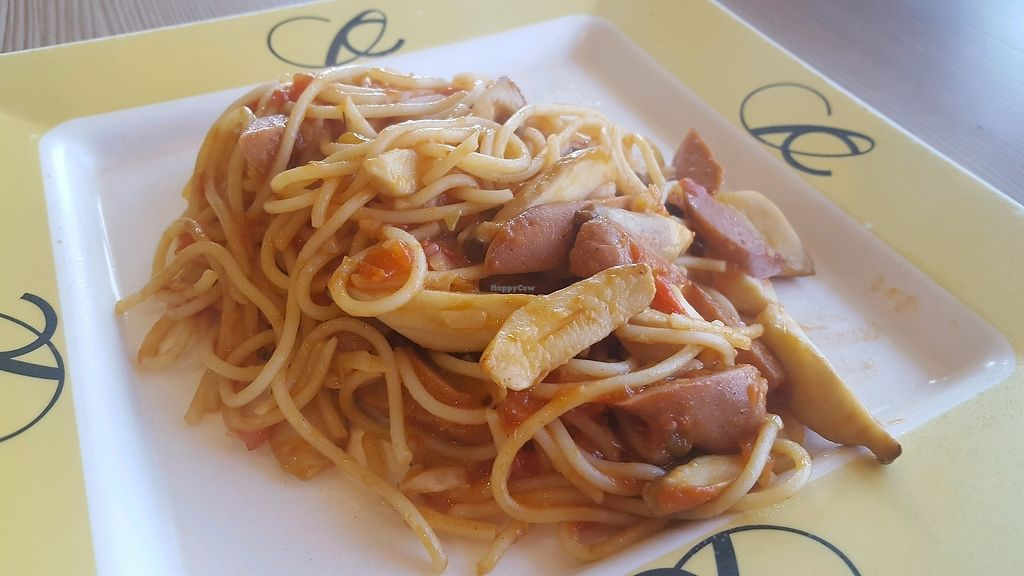 "Photo of Central World Mall - Talalask  by <a href=""/members/profile/Love%40Sunshine"">Love@Sunshine</a> <br/>Spaghetti Tomatoes sauce w Erinyi Mushroom & Mock Sausages <br/> December 10, 2017  - <a href='/contact/abuse/image/32117/334176'>Report</a>"
