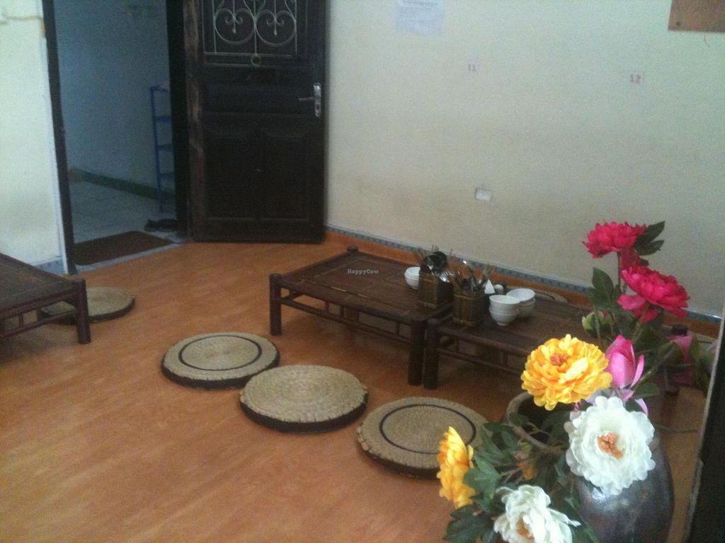 """Photo of An Phuc  by <a href=""""/members/profile/heloisepe"""">heloisepe</a> <br/>Second floor : no shoes, small table and cushions. Zen and chill-out atmosphere <br/> July 5, 2015  - <a href='/contact/abuse/image/32126/108224'>Report</a>"""