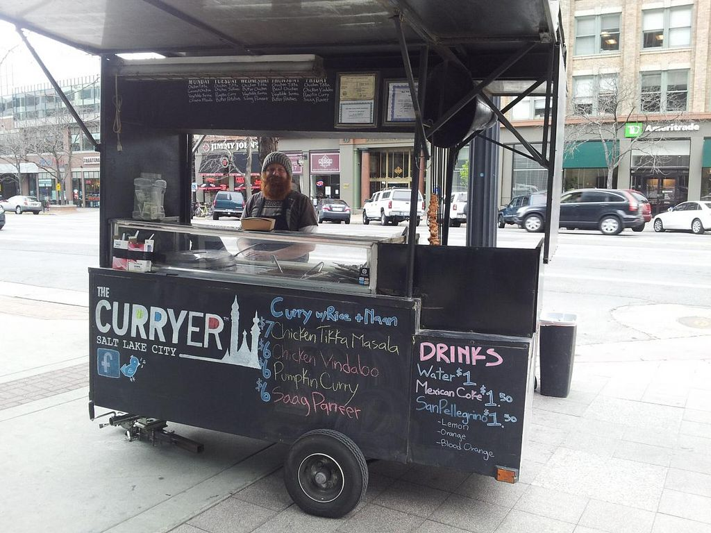 Photo of CLOSED: The Curryer - Food Cart  by Navegante <br/>04-04-2014 <br/> April 4, 2014  - <a href='/contact/abuse/image/32148/67032'>Report</a>