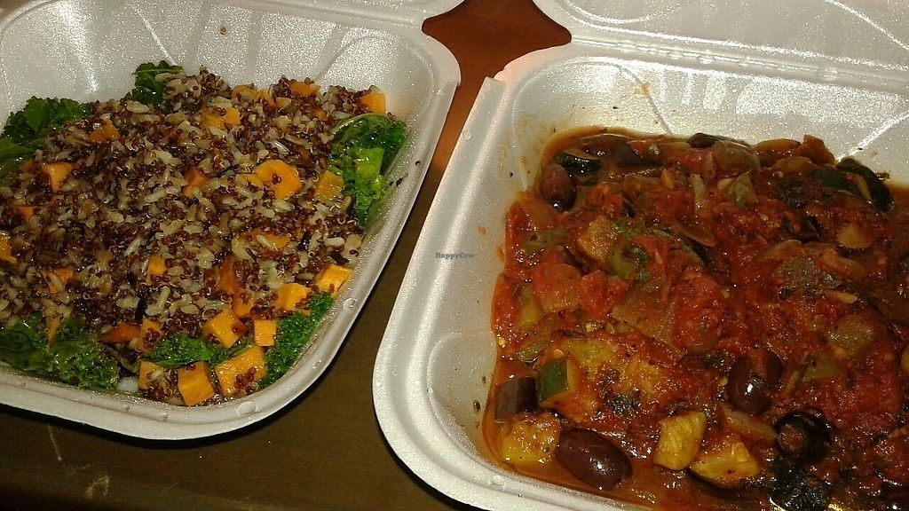 "Photo of Chill  by <a href=""/members/profile/RainbowKittyKat"">RainbowKittyKat</a> <br/>quinoa dish (left) spaghetti squash dish (right) <br/> June 24, 2017  - <a href='/contact/abuse/image/32172/272986'>Report</a>"