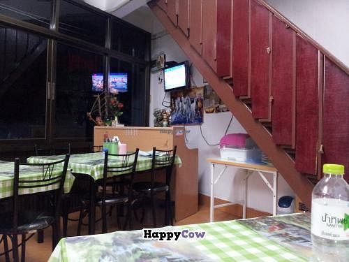 """Photo of CLOSED: Lucky  by <a href=""""/members/profile/dinotori"""">dinotori</a> <br/>Front room of the restaurant <br/> November 23, 2013  - <a href='/contact/abuse/image/32240/58872'>Report</a>"""