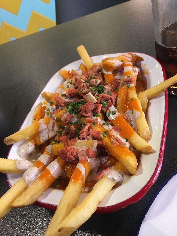 "Photo of V Rev Vegan Diner  by <a href=""/members/profile/HanaDori"">HanaDori</a> <br/>BUffalo loaded fries <br/> May 18, 2018  - <a href='/contact/abuse/image/32339/401580'>Report</a>"