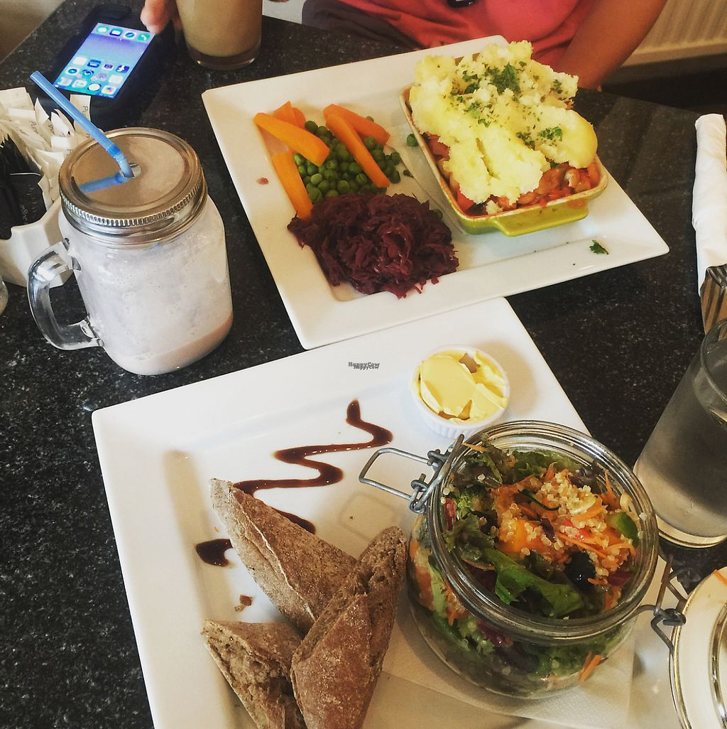 """Photo of Greens Cafe  by <a href=""""/members/profile/Sarah_clayton328"""">Sarah_clayton328</a> <br/>Banarama smoothie, superfoods salad and pie  <br/> December 18, 2016  - <a href='/contact/abuse/image/32367/202528'>Report</a>"""