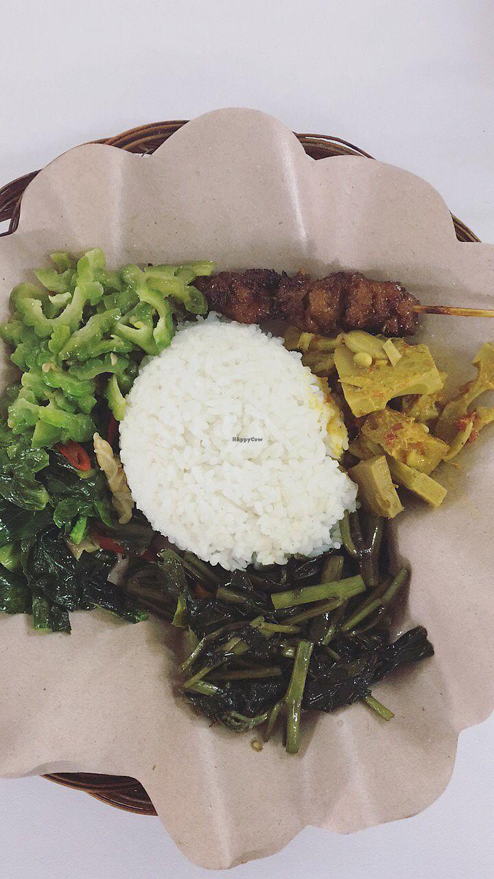 "Photo of Kehiidupan Tidak Pernah Berakhir  by <a href=""/members/profile/DaphneCheong"">DaphneCheong</a> <br/>Affordable, delicious vegan food! <br/> September 9, 2017  - <a href='/contact/abuse/image/32397/302347'>Report</a>"