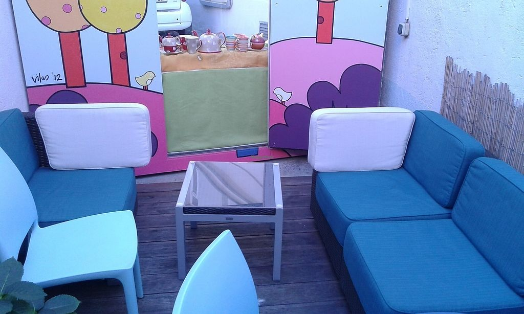 """Photo of Cosmos-Heart Cafe  by <a href=""""/members/profile/RoseTyler"""">RoseTyler</a> <br/>peaceful outdoor seating <br/> June 15, 2017  - <a href='/contact/abuse/image/32472/269403'>Report</a>"""