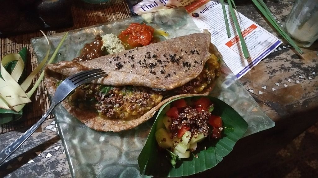 """Photo of Earth Cafe and Market - Ubud  by <a href=""""/members/profile/Rosa%20veg"""">Rosa veg</a> <br/>Wrap  <br/> April 22, 2017  - <a href='/contact/abuse/image/32487/250777'>Report</a>"""