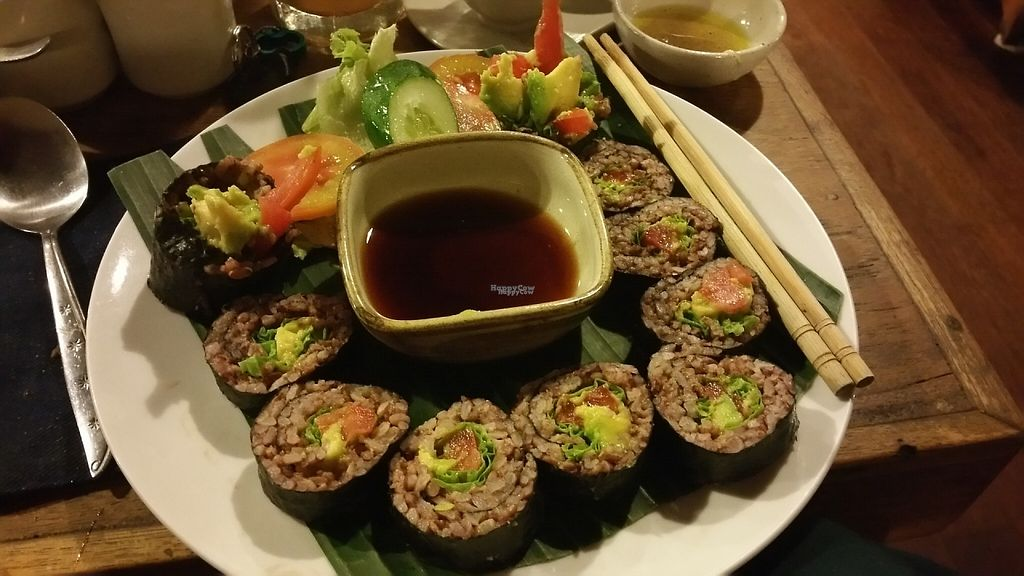 """Photo of Earth Cafe and Market - Ubud  by <a href=""""/members/profile/Rosa%20veg"""">Rosa veg</a> <br/>Sushi rolls  <br/> April 22, 2017  - <a href='/contact/abuse/image/32487/250778'>Report</a>"""