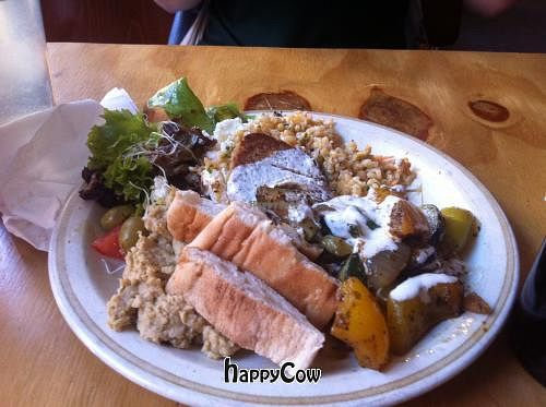"""Photo of Kombuse  by <a href=""""/members/profile/Aiyasai"""">Aiyasai</a> <br/>Falafel plate (vegetarian version) <br/> May 21, 2013  - <a href='/contact/abuse/image/32500/48439'>Report</a>"""