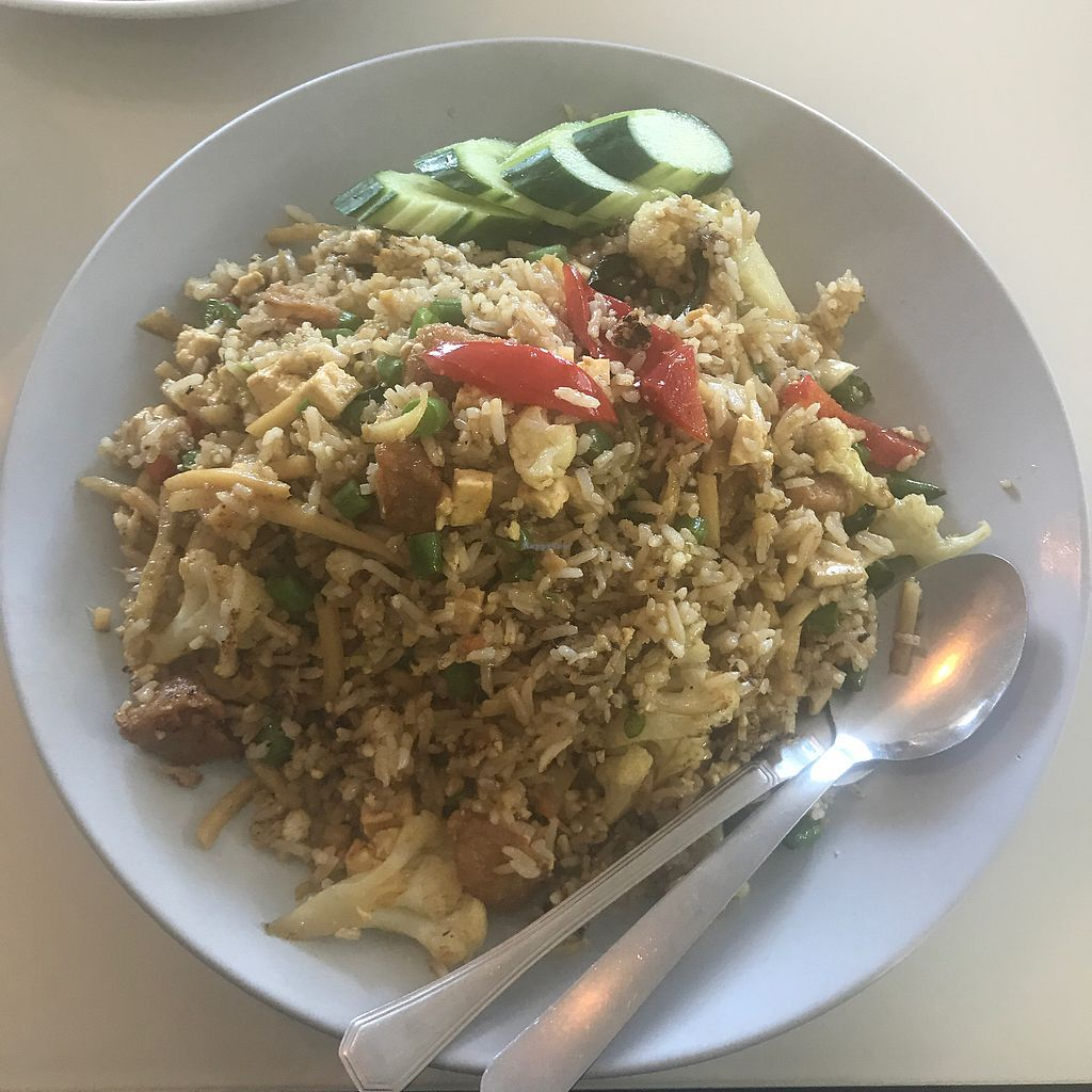 """Photo of Green Palace Thai Vegetarian  by <a href=""""/members/profile/Lozcriston"""">Lozcriston</a> <br/>Green curry fried rice <br/> September 9, 2017  - <a href='/contact/abuse/image/32508/302262'>Report</a>"""