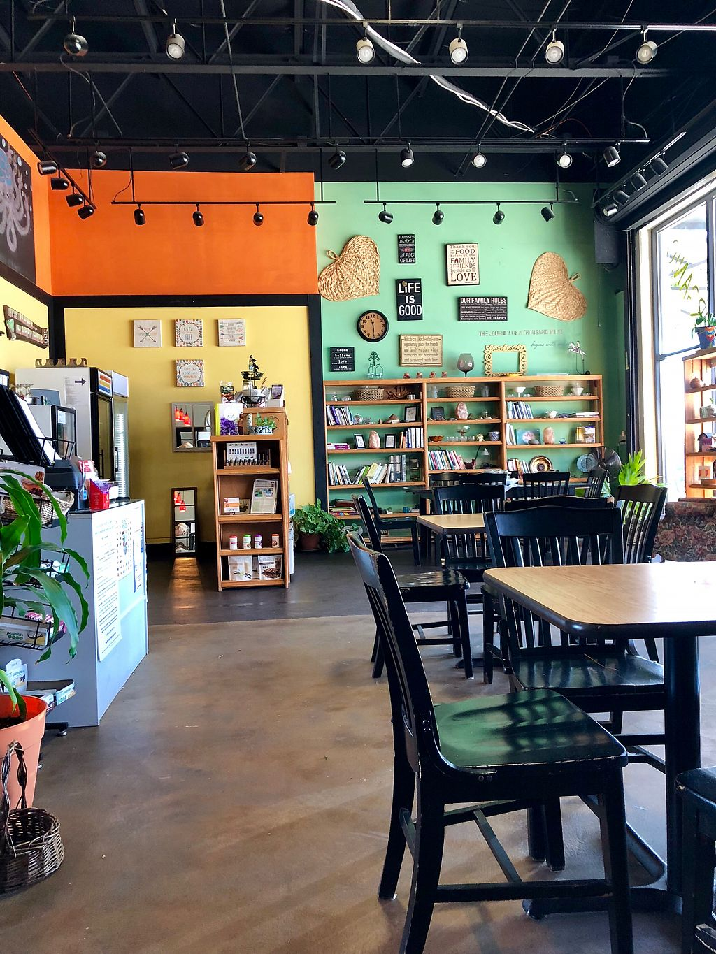 """Photo of Living Green Health Food  by <a href=""""/members/profile/JanMarie"""">JanMarie</a> <br/>Friendly and quaint with a great menu!!! <br/> March 15, 2018  - <a href='/contact/abuse/image/32520/371035'>Report</a>"""
