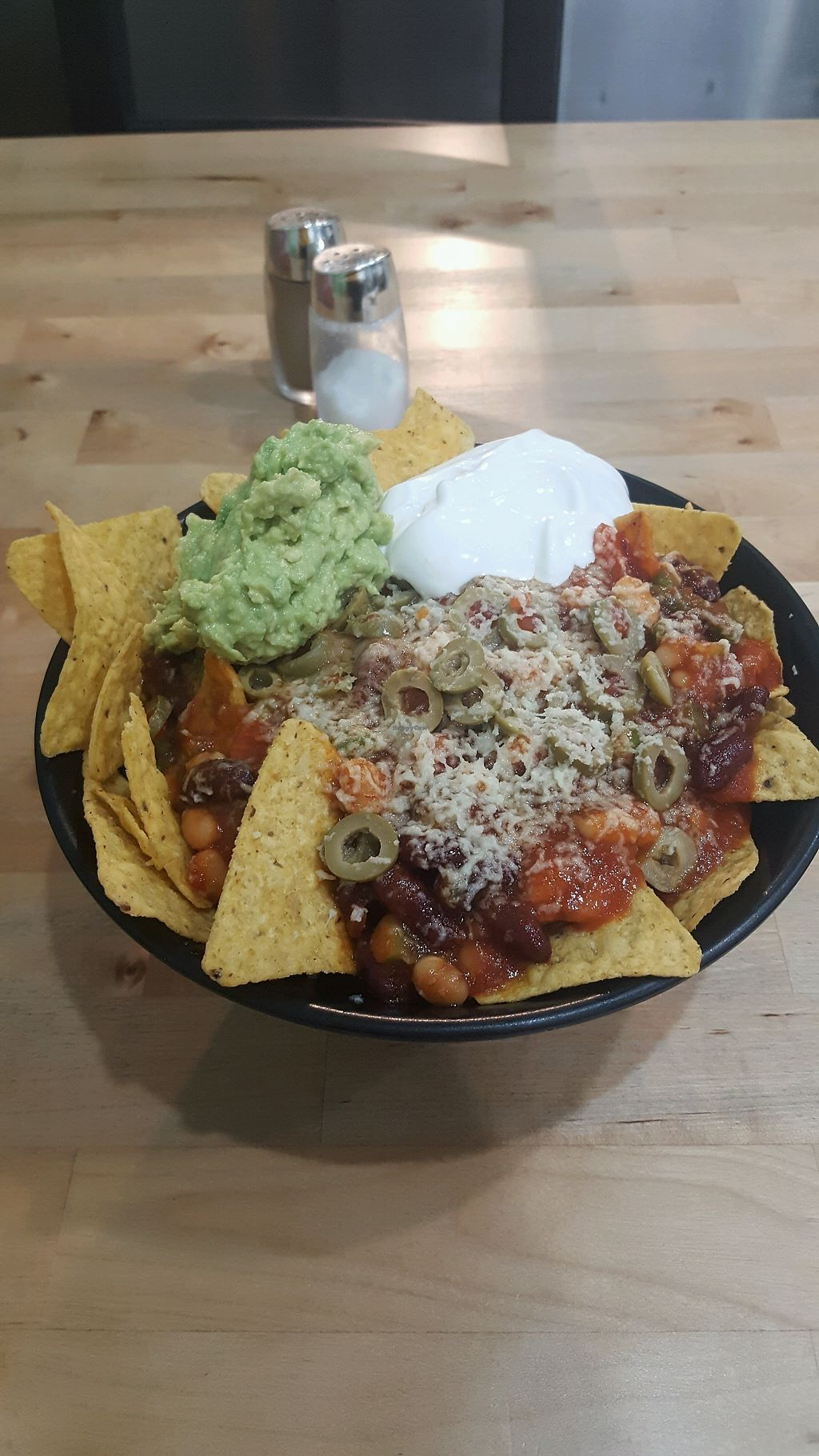 """Photo of Hari's Vegetarian  by <a href=""""/members/profile/MaryKelly"""">MaryKelly</a> <br/>vegan nachos ? <br/> January 16, 2018  - <a href='/contact/abuse/image/32555/347072'>Report</a>"""