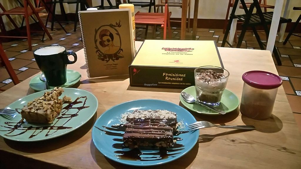 """Photo of La Oveja Negra  by <a href=""""/members/profile/IsabelaePhanerothyme"""">IsabelaePhanerothyme</a> <br/>Carrot and chocolate cake, and coffees <br/> November 23, 2017  - <a href='/contact/abuse/image/32567/328590'>Report</a>"""