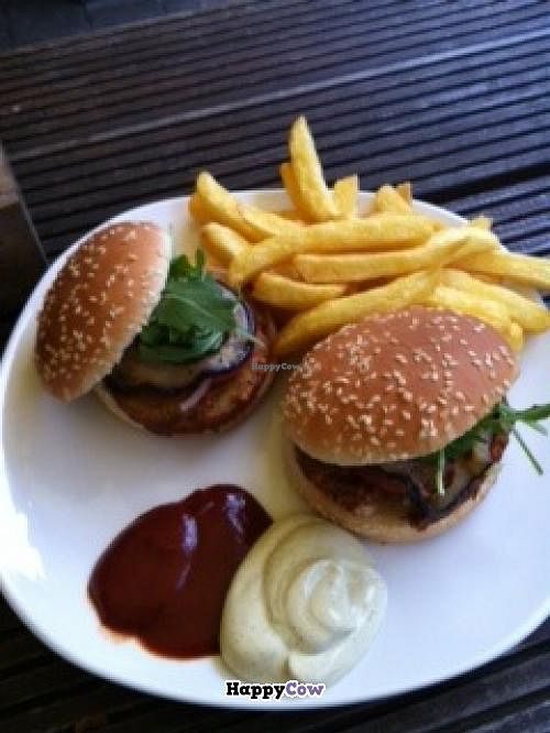 "Photo of CLOSED: Culux  by <a href=""/members/profile/Jayneisastarr"">Jayneisastarr</a> <br/>Vegan burger, french fries, ketchup and vegan mayo <br/> July 2, 2013  - <a href='/contact/abuse/image/32587/50633'>Report</a>"