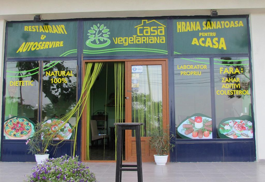 "Photo of Casa Vegetariana  by <a href=""/members/profile/Chris%20Phillips%20Vegan"">Chris Phillips Vegan</a> <br/>The outside  restaurant front <br/> June 22, 2014  - <a href='/contact/abuse/image/32684/72519'>Report</a>"