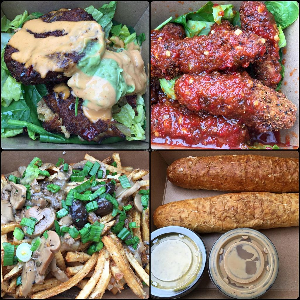 Photo of Pig Minds Brewing  by RamblingVegans <br/>Great appetizers!  The 'Wingz' with sweet chile sauce, artisan breadsticks, poutine, and 'crab' cakes.   <br/> April 30, 2015  - <a href='/contact/abuse/image/32686/100782'>Report</a>