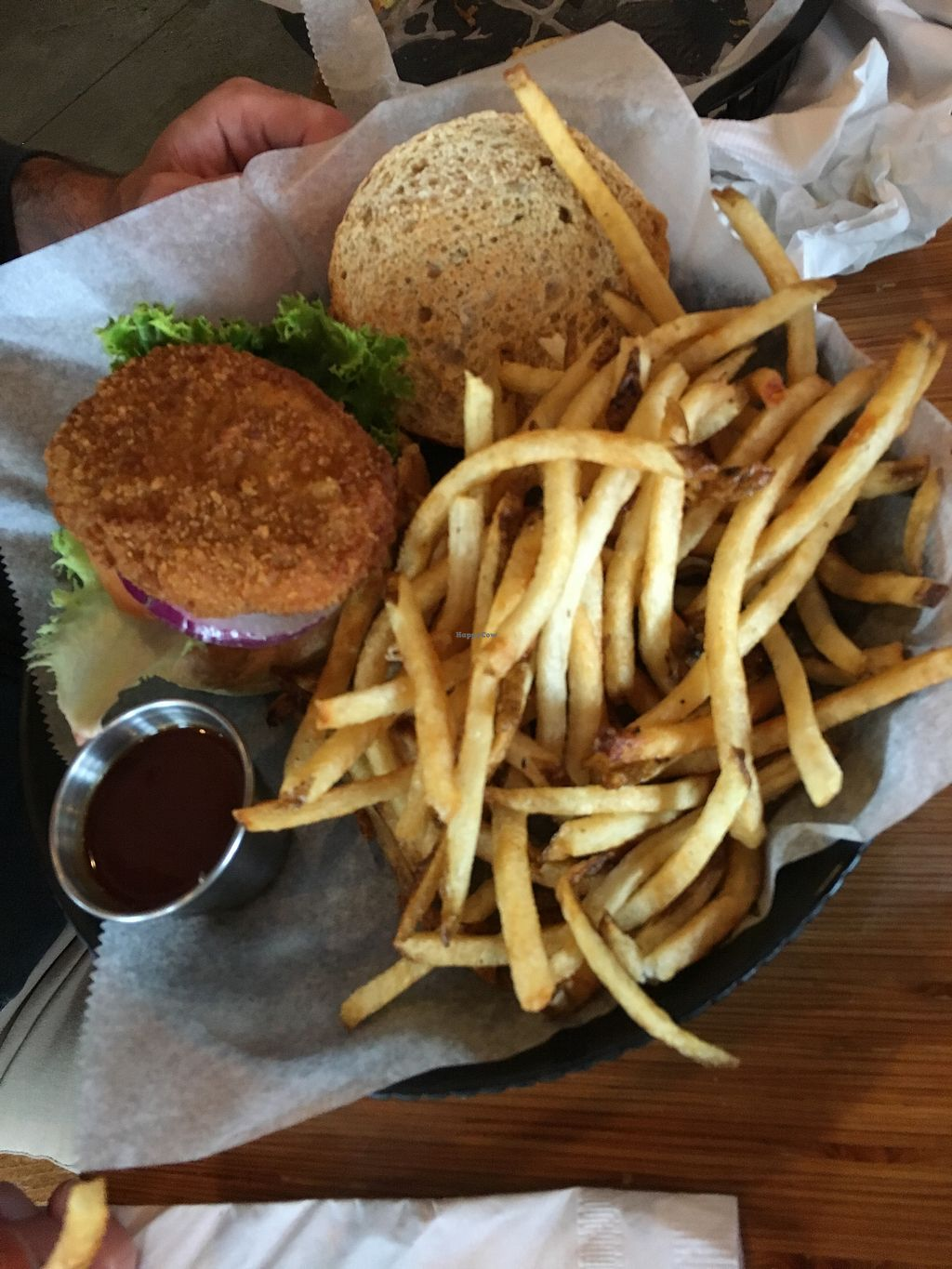 """Photo of Pig Minds Brewing  by <a href=""""/members/profile/olgueis"""">olgueis</a> <br/>Chickin' sandwich   <br/> August 5, 2017  - <a href='/contact/abuse/image/32686/289430'>Report</a>"""
