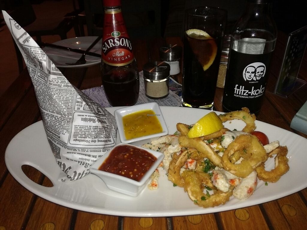 """Photo of Van Loon  by <a href=""""/members/profile/LouisePallesen"""">LouisePallesen</a> <br/>Vegan fish 'n chips <br/> May 28, 2017  - <a href='/contact/abuse/image/32797/263209'>Report</a>"""