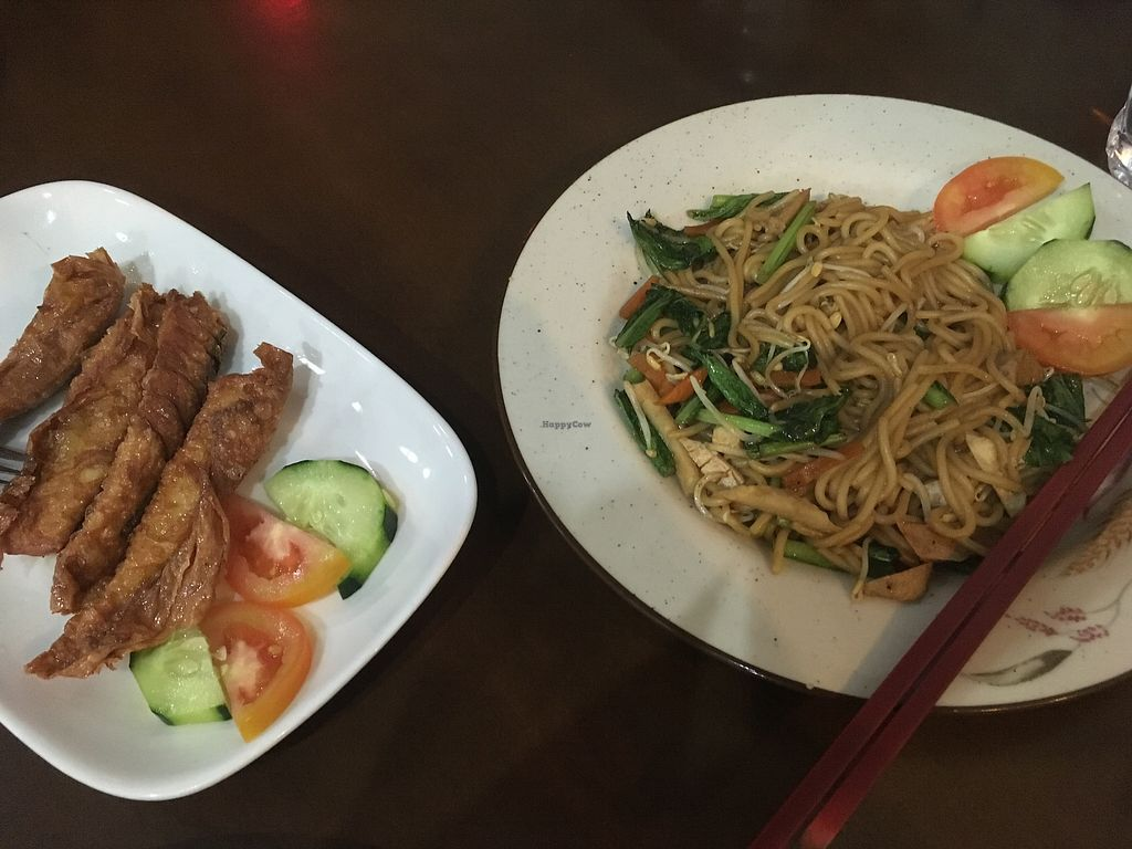 """Photo of I Love Vegetarian Food - De Ra Sa  by <a href=""""/members/profile/jojoinbrighton"""">jojoinbrighton</a> <br/>Fried noodles with seafood and sardines <br/> August 6, 2017  - <a href='/contact/abuse/image/32847/289645'>Report</a>"""