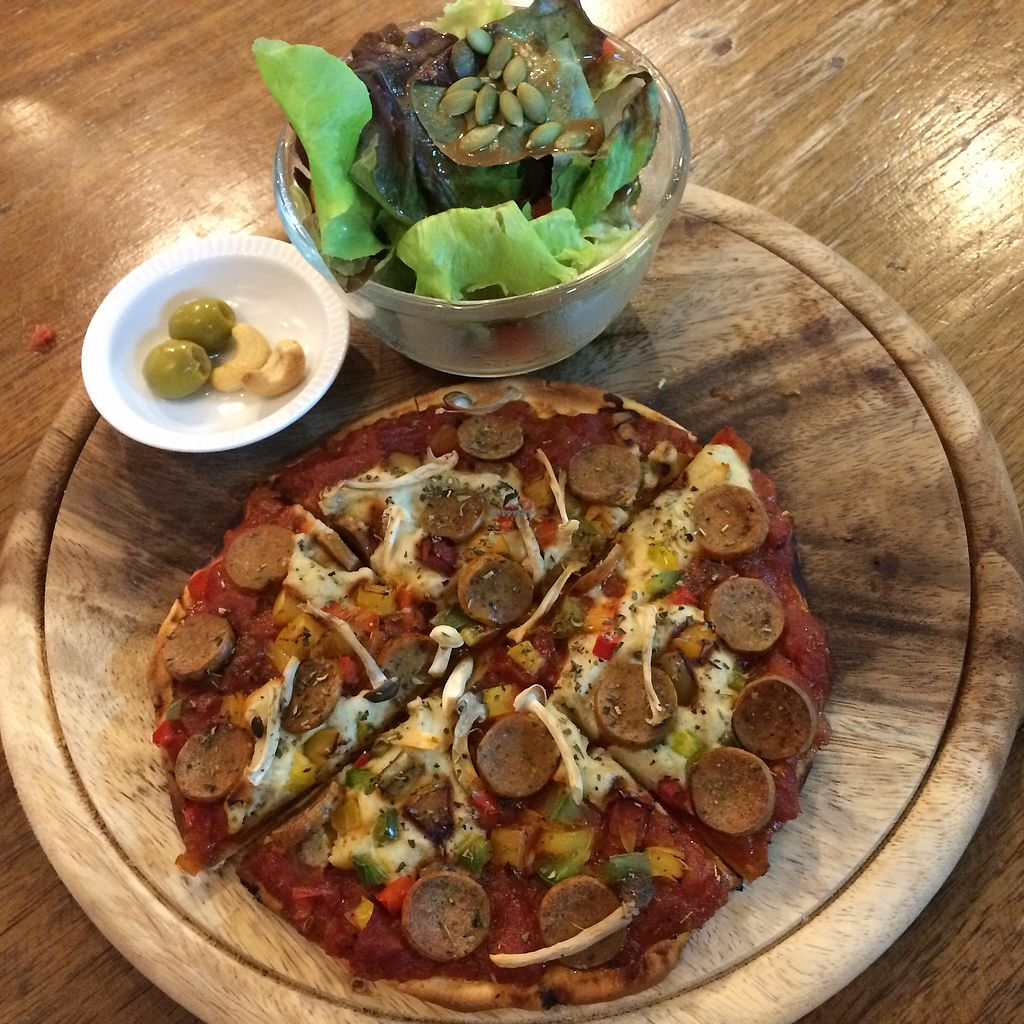 """Photo of Bonita Cafe and Social Club  by <a href=""""/members/profile/evoontoast"""">evoontoast</a> <br/>pizza w/ """"sausage"""" <br/> August 4, 2017  - <a href='/contact/abuse/image/32850/288678'>Report</a>"""