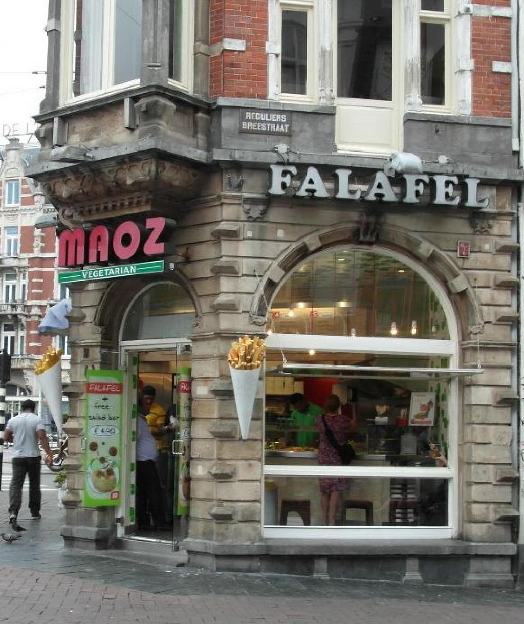"Photo of Maoz Falafel - Muntplein  by <a href=""/members/profile/Pamina"">Pamina</a> <br/>Maoz Falafel @ Muntplein <br/> August 18, 2014  - <a href='/contact/abuse/image/3288/77398'>Report</a>"
