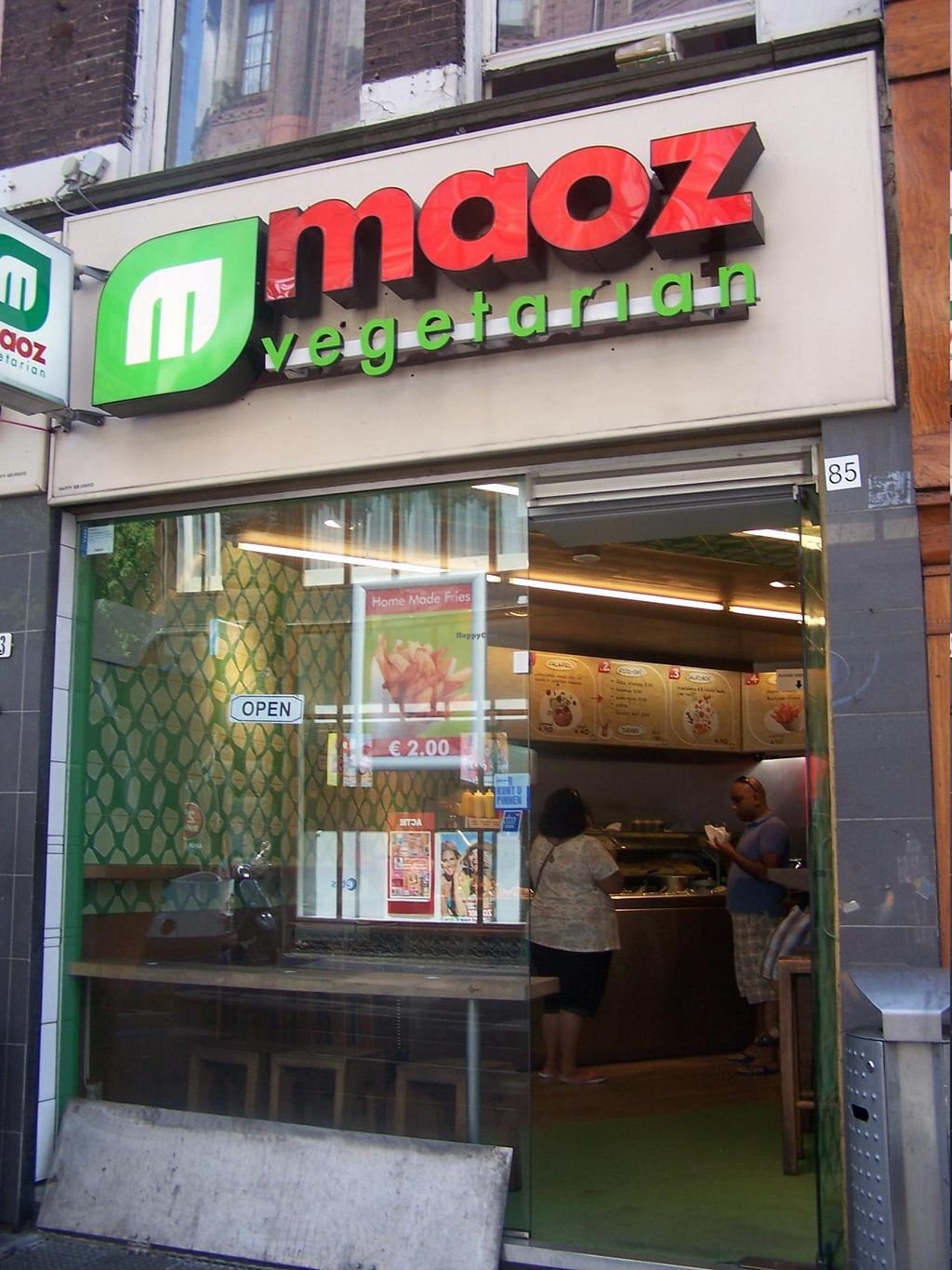 """Photo of Maoz Falafel - Leidsestraat  by <a href=""""/members/profile/Amy1274"""">Amy1274</a> <br/>Maoz Leidsestraat <br/> July 19, 2014  - <a href='/contact/abuse/image/3289/74407'>Report</a>"""
