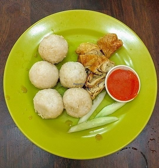 """Photo of Shui Xian Su Shi Yuan  by <a href=""""/members/profile/HannahGilbert"""">HannahGilbert</a> <br/>malaccas famous rice balls and chicken  <br/> June 14, 2017  - <a href='/contact/abuse/image/32914/268888'>Report</a>"""