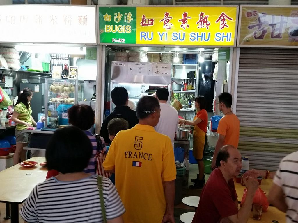 """Photo of Ru Yi Vegetarian  by <a href=""""/members/profile/JimmySeah"""">JimmySeah</a> <br/>Queue in front of stall <br/> December 26, 2014  - <a href='/contact/abuse/image/33028/88757'>Report</a>"""