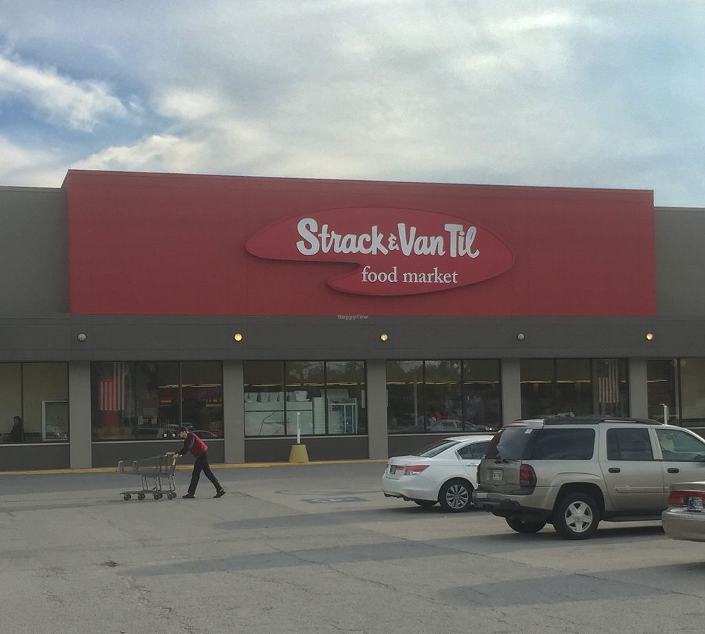 "Photo of Strack and Van Til  by <a href=""/members/profile/happycowgirl"">happycowgirl</a> <br/>Entrance <br/> September 12, 2017  - <a href='/contact/abuse/image/33049/303849'>Report</a>"