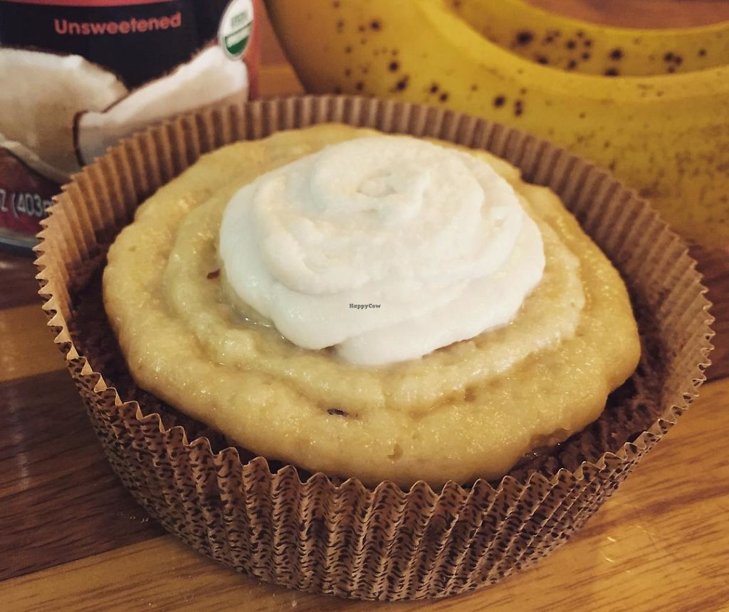 "Photo of Breads on Oak Cafe & Bakery  by <a href=""/members/profile/comahony"">comahony</a> <br/>Organic vegan banana tart with coconut cream <br/> June 4, 2015  - <a href='/contact/abuse/image/33055/200816'>Report</a>"