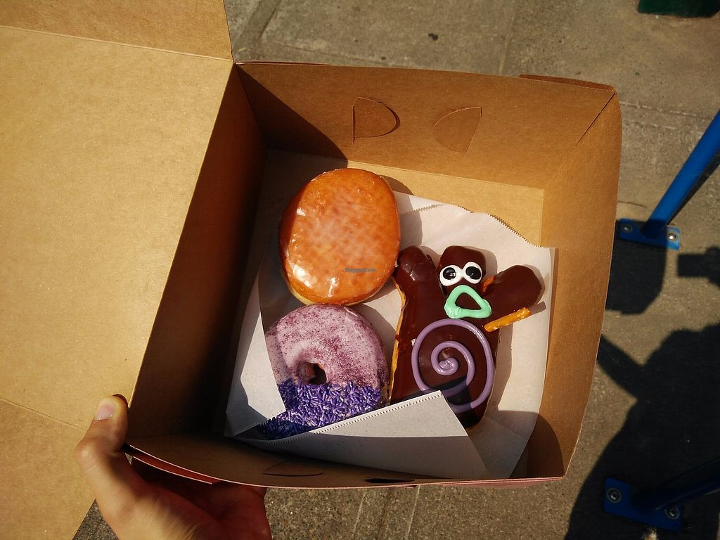 """Photo of Voodoo Doughnut  by <a href=""""/members/profile/martinicontomate"""">martinicontomate</a> <br/>omnomnom <br/> September 16, 2017  - <a href='/contact/abuse/image/33103/305079'>Report</a>"""