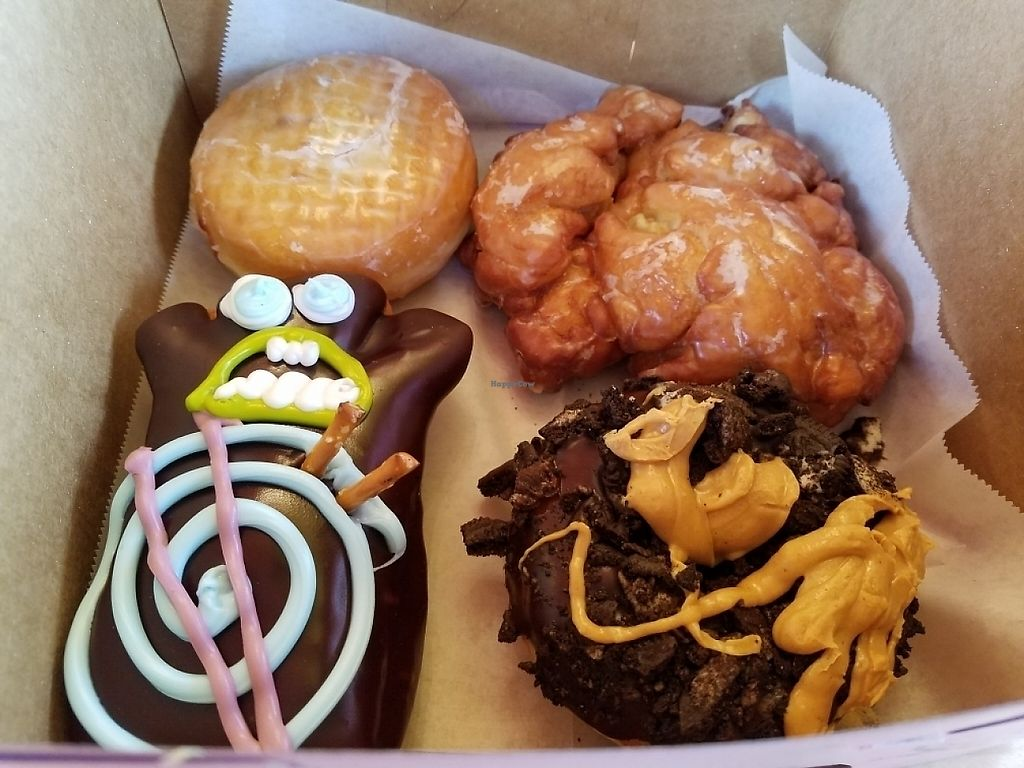 """Photo of Voodoo Doughnut Too  by <a href=""""/members/profile/EverydayTastiness"""">EverydayTastiness</a> <br/>vegan donuts <br/> May 16, 2017  - <a href='/contact/abuse/image/33115/259183'>Report</a>"""